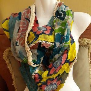 Preowned Vismaya beautiful scarve